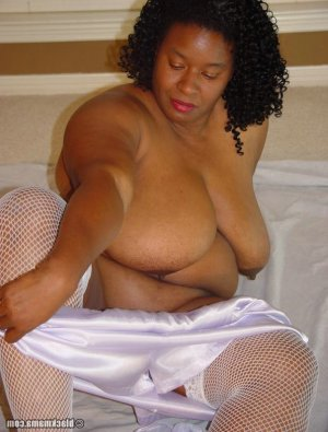 Dieudonnee live escort in Newton, KS